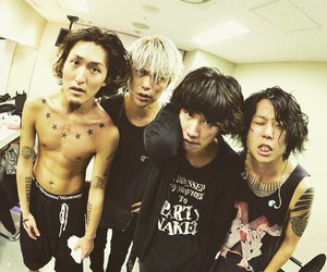 one ok rock, tomoya, and toru image