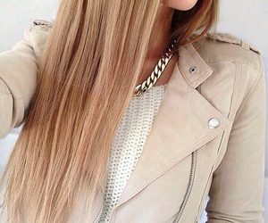 blond, clothes, and necklace image