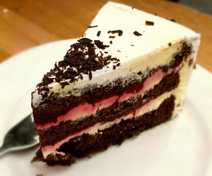 cake, food, and omnomnom image