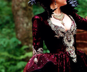 evil queen, ouat, and regina mills image