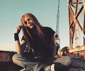 Avril Lavigne and under my skin image