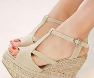beige, heel, and shoes soo cute image