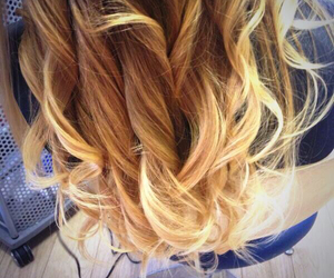blonde, hair, and zoella image