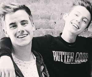 connor franta and troye sivan mellet image