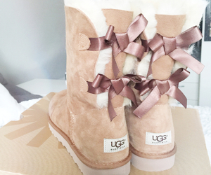 bow, ugg, and uggs image