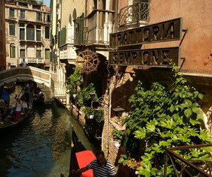 gondola, luxury, and holiday image