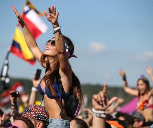 girl, party, and Tomorrowland image