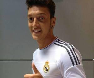 real madrid and mesut Özil image