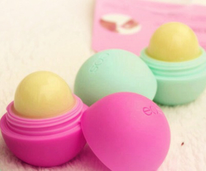 eos and lip balm image