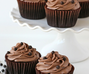 cupcake and chocolate image