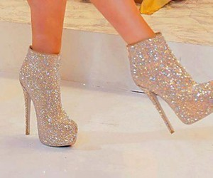 fashion, girl, and glitters image