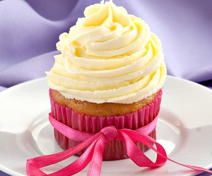 buttercream, cupcakes, and delicious image