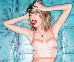 hair, outfit, and Taylor Swift image