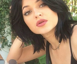 girl and kylie jenner image