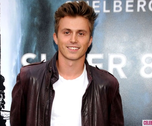 footloose and kenny wormald image