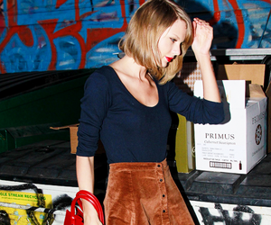 her, style, and taylor image