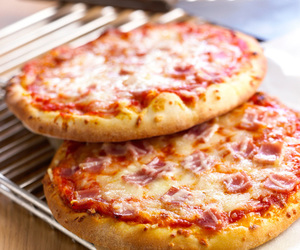 pizza and yummy image