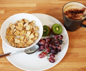 breakfast, cereal, and kiwi image