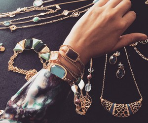 beauty, gold, and jewelry image
