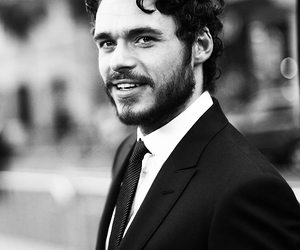 richard madden and game of thrones image
