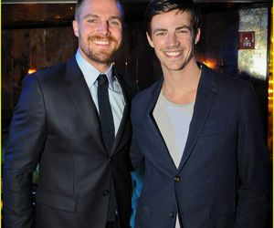 stephen amell and grant gustin image