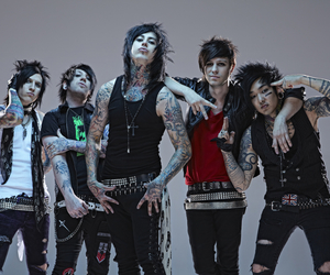 falling in reverse and ronnie radke image