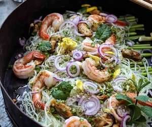 salad, thai, and Vermicelli image