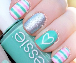nails, heart, and essie image