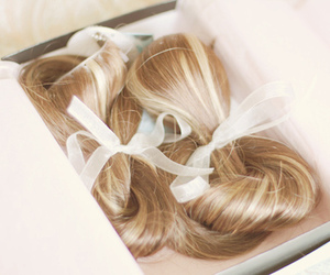 hair, pastel, and bow image