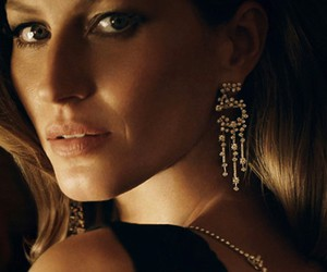 Gisele Bundchen, model, and chanel n° 5 image