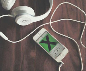 green, musica, and headphones image