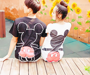 couple, ulzzang, and mickey mouse image