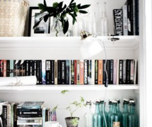 apartment, books, and decor image