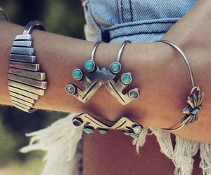 bracelet, style, and jewelry image