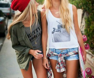 fashion, skate, and bestfriends image
