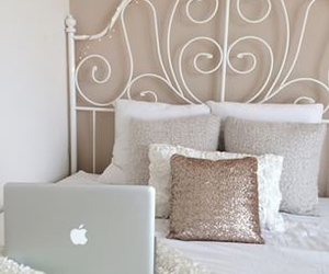 room, apple, and girly image