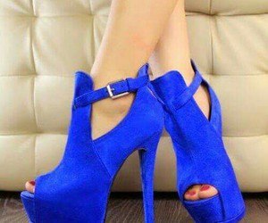 blue and bellos image