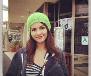 beauty, green, and victoria justice image