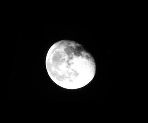 beautifull, black, and moon image