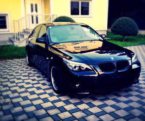 black and bmw image