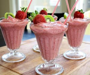 drink, strawberry, and delicious image