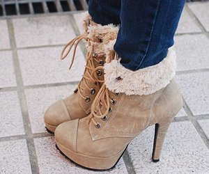 look and shoes image