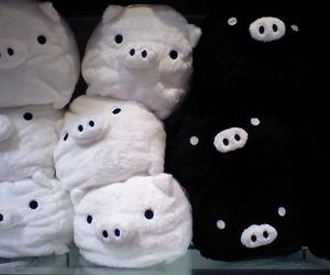 monokuro boo and pig image