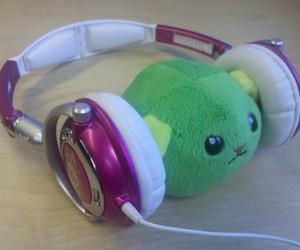 headphones, kawaii, and mameshiba image