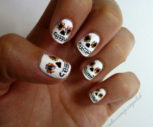 colors, nails, and skull image