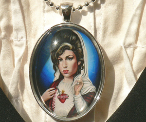 Amy Winehouse, amy, and necklace image