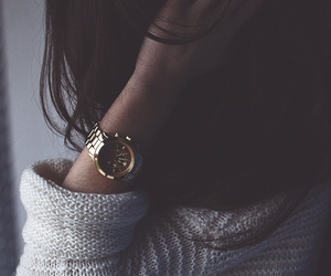 girl, hair, and watch image