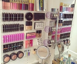 beauty, bedroom, and makeup image
