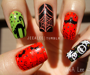 designs, Halloween, and manicure image