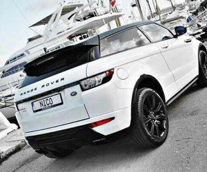car and rangerover image